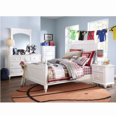 Pulaski Summertime 5-Piece Full Bedroom Set in White