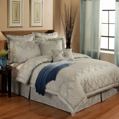 Austin Horn En'Vogue Glamour King Comforter Set in Spa Blue