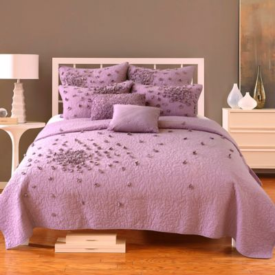 Nostalgia Home™ Petals Twin Quilt in Plum