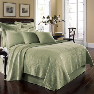 King Charles Matelassé Full Coverlet in Sage
