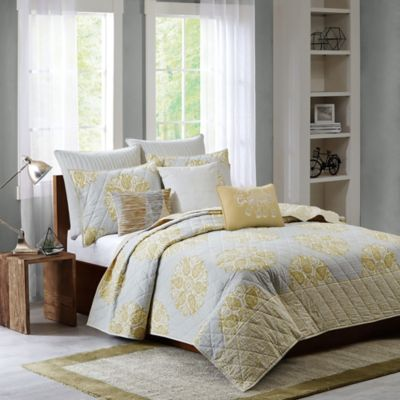 Ink + Ivy Melbourne Full/Queen Coverlet Set in Yellow
