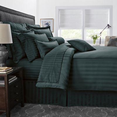500-Thread-Count Damask Stripe Reversible King Comforter Set in Hunter Green