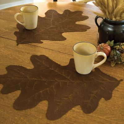 Heritage Lace® Oak Leaf Placemat in Dark Paprika