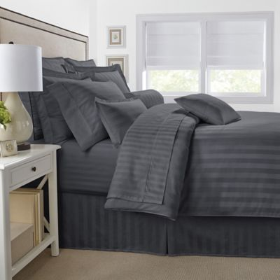 500-Thread-Count Damask Stripe Reversible King Duvet Cover Set in Black