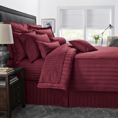 500-Thread-Count Damask Stripe Reversible Full/Queen Duvet Cover Set in Burgundy