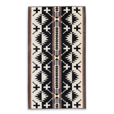Pendleton® Spider Oversized Jacquard Beach Towel in Black/White