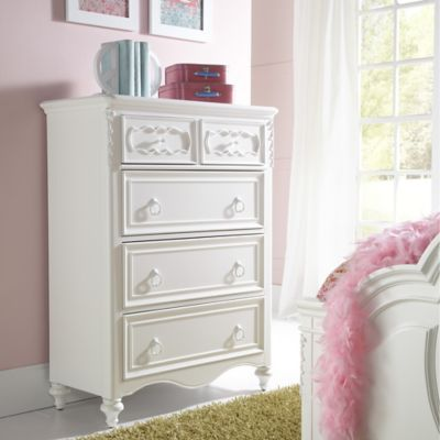 Pulaski Sweetheart 5-Drawer Chest in White