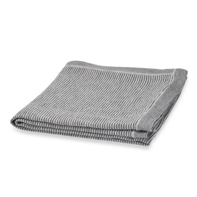 Kenneth Cole Reaction Home Obsidian Reversible Throw in Black/Grey