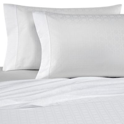 Bellino Fine Linens® Viennese Netting Jacquard Queen Flat Sheet in White