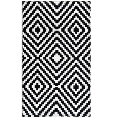 Anthology™ Chindi Dhuri Diamond 3-Foot 6-Inch x 5-Foot 6-Inch Rug in White/Black