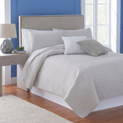 FlatIron Homes Madison Reversible King Quilt in Frost Grey