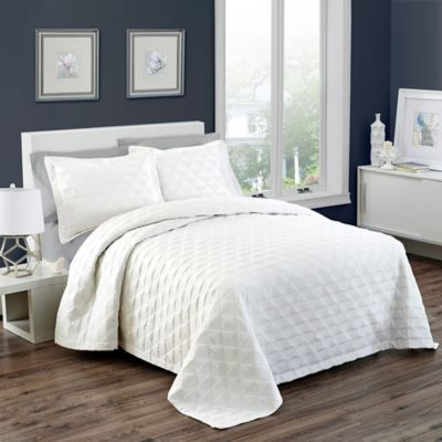 Vue® Signature Marquis King Coverlet Set in White