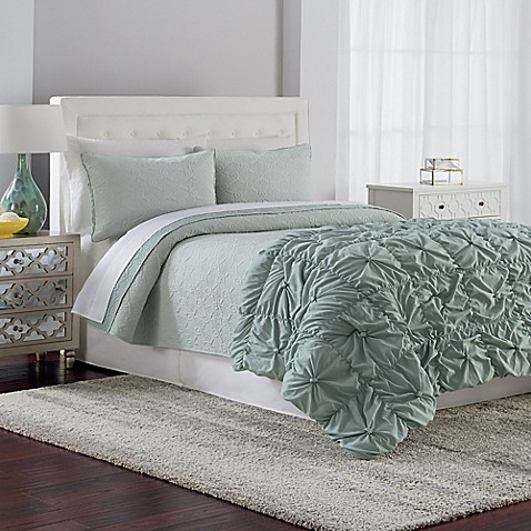 Crest home gemma reversible comforter quilt set in sage for Crest home designs bedding