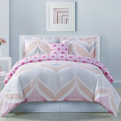 Fine Line Reversible Twin Comforter Set in Pink
