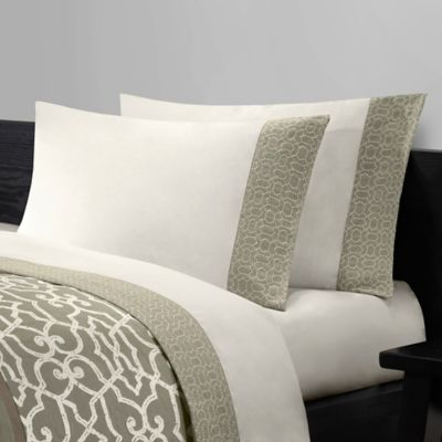 N Natori® Fretwork Full Sheet Set in White