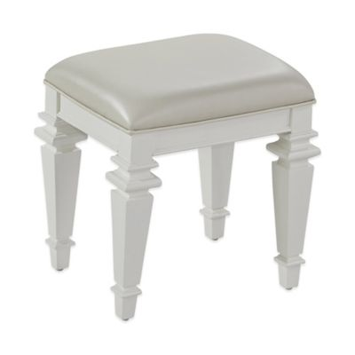Home Styles Home Styles Americana Distressed Oak Bench in White