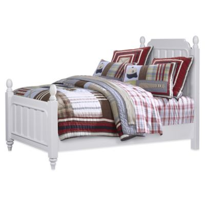 Pulaski SummerTime Full Poster Bed in White