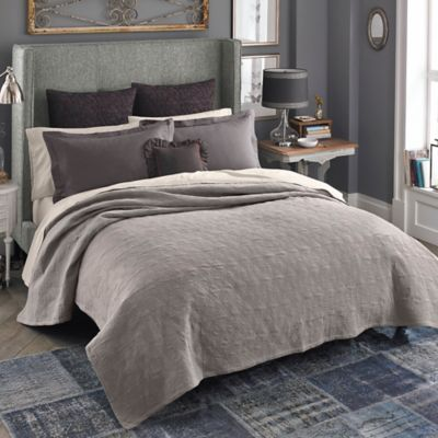 Beekman 1802 Bellvale Double Cloth Queen Quilt in Taupe