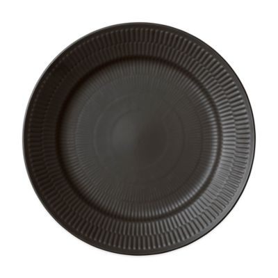 Fluted Dinner Plate in Black