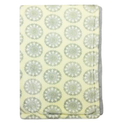 Wendy Bellissimo™ Mix & Match Gracie Plush Blanket in Yellow