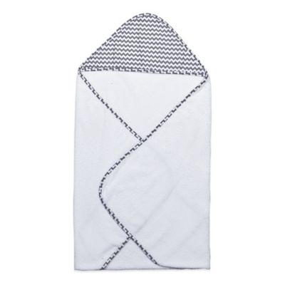 Trend Lab® Perfectly Preppy Hooded Towel in White/Grey Chevron