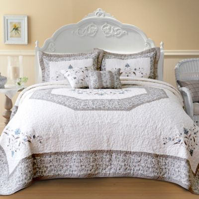 Nostalgia Home Agnes King Bedspread in Ivory/Taupe