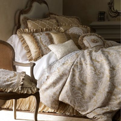 Austin Horn Collection Angelina King Duvet Cover in Champagne