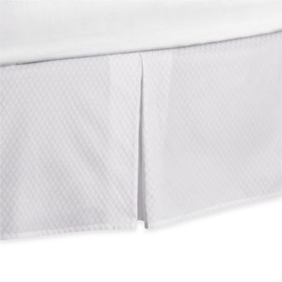 Wamsutta® 400-Thread-Count Cotton Diamond Jacquard 15-Inch Drop King Bed Skirt in White