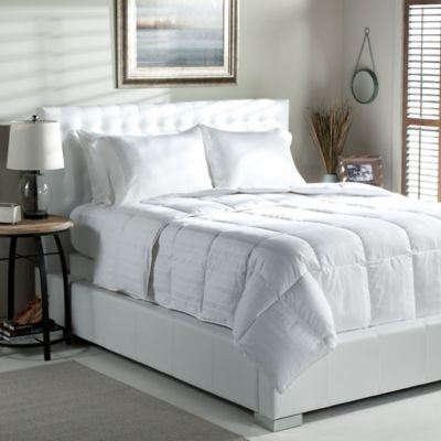 Tommy Bahama® 400-Thread-Count 700 Fill Power Down Queen Comforter in White
