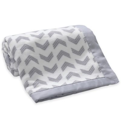 Lambs & Ivy® Mix & Match Arrow Coral Fleece Blanket in Grey