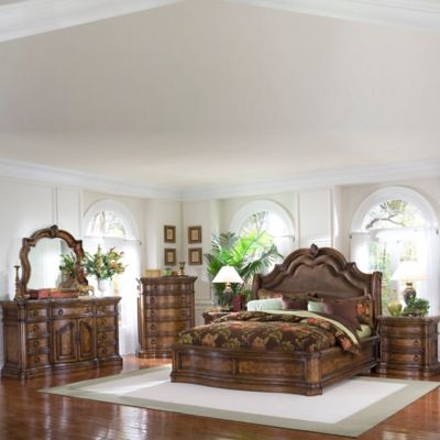 Pulaski San Mateo Queen 5-Piece Bed Set