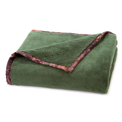 True Timber Plush Throw in Green