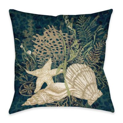 Seashell Vignette Indoor/Outdoor Throw Pillow in Green