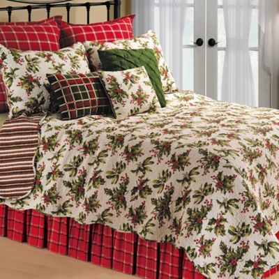 Mistletoe Reversible Full/Queen Quilt in Cream