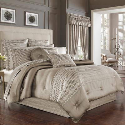 J. Queen New York Bohemia California King Comforter Set in Champagne