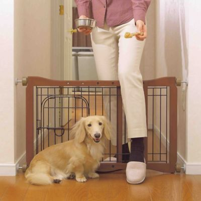Pet Sitter Gate in Brown