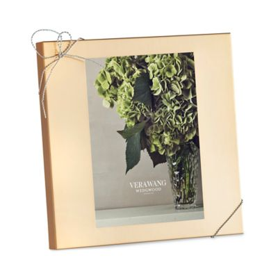 Vera Wang Wedgwood® Love Knots Gold 5-Inch x 7-Inch Picture Frame