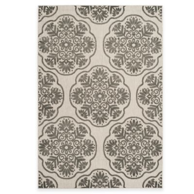 Safavieh Cottage Medallion 3-Foot 3-Inch x 5-Foot 3-Inch Indoor/Outdoor Rug in Grey/Cream