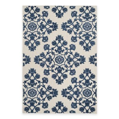 Safavieh Cottage Medallion Damask 3-Foot 3-Inch x 5-Foot 3-Inch Indoor/Outdoor Rug in Cream/Blue