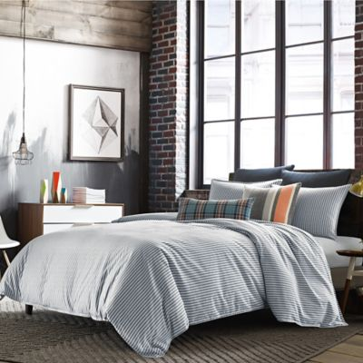 Studio 3B™ by Kyle Schuneman Asher King Duvet Cover in Navy/White