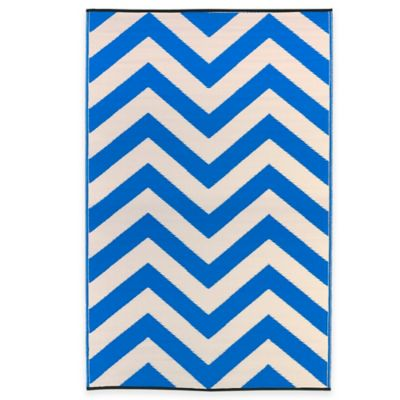 Fab Habitat Laguna 3-Foot x 5-Foot Indoor/Outdoor Area Rug in Regatta Blue/White