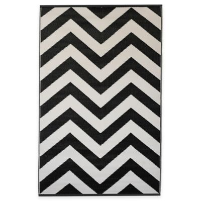 Fab Habitat Laguna 3-Foot x 5-Foot Indoor/Outdoor Area Rug in Sand/Black