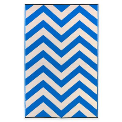 Fab Habitat Laguna 6-Foot x 9-Foot Indoor/Outdoor Area Rug in Regatta Blue/White