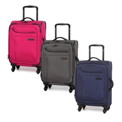 it Luggage MegaLite™ 20-Inch 4-Wheel Expandable Carry On Spinner in Patriot Blue