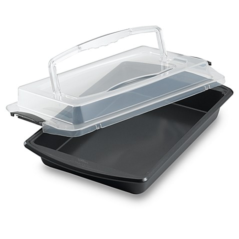 Wilton Indulgence® Professional 9-Inch x 13-Inch Oblong Covered Cake Pan