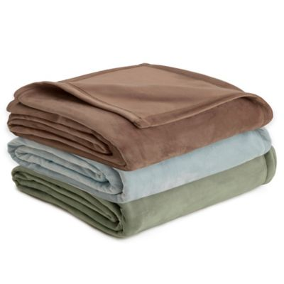 Vellux Full/Queen Plush Blanket in Mist