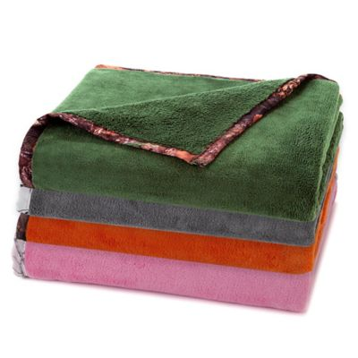 True Timber Plush Throw Blanket in Pink