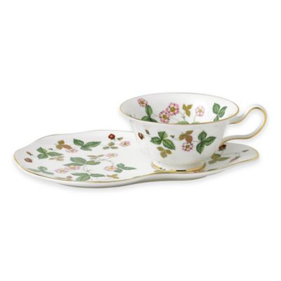 Wedgwood® Al Fresco Wild Strawberry 2-Piece Hostess Set