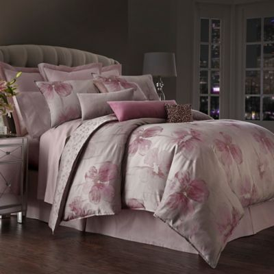 Waterford Couture® Luxury Italian-Made Fleurology Queen Comforter in Blossom