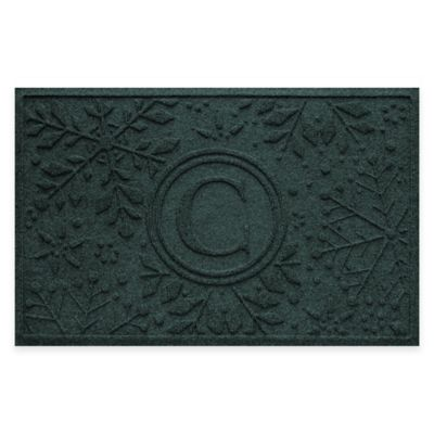 Bungalow Flooring Weather Guard™ Snowflake 23-Inch x 36-Inch Holiday Door Mat in Evergreen